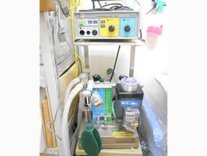 麻酔器、電気メスなど